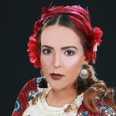 הפקת אופנה חגיגית לראש השנה בהשראת צבעי הרימון והדבש