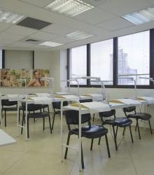 רוית אסף - סניף תל אביב כיתת בניית ציפורניים