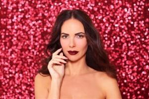 איפור לסילבסטר – שפתיים צבע בורדו