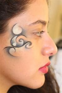 איפור פנים עדין לפורים