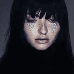 מראה איפור דמעות נצנצנים