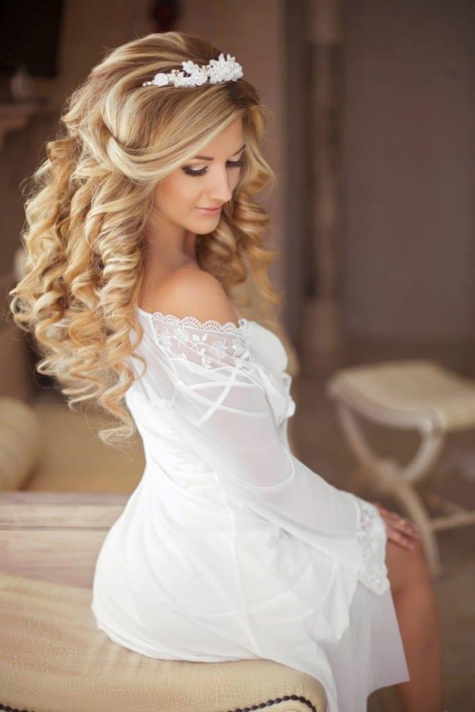 עיצוב שיער לכלות מתולתלות עם שמירת הטקסטורה הטבעית בשיער