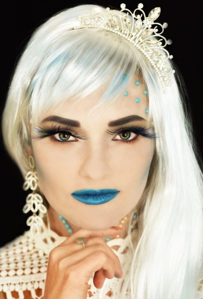 איפור פנים לפורים בסגנון המלכה הלבנה