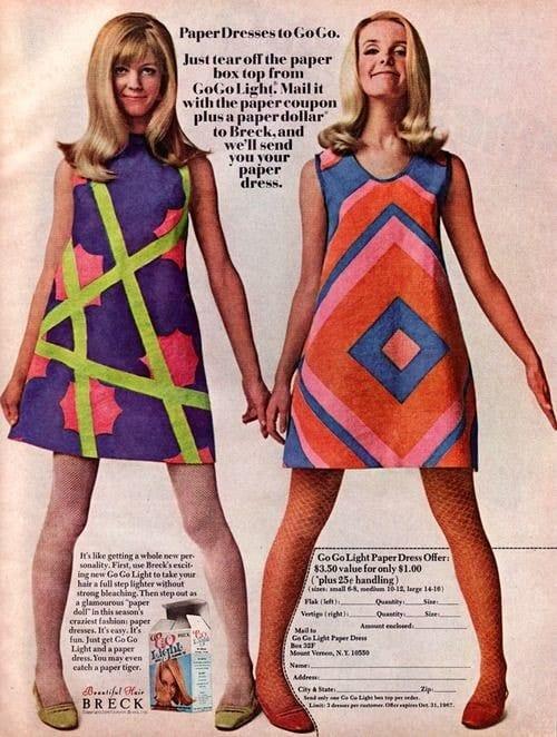 חצאיות באורך מיני עם הדפסים גרפיים שהופיעו בשנות ה-60