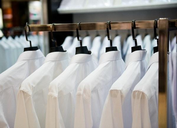 אופנה מחוייטת לבנה