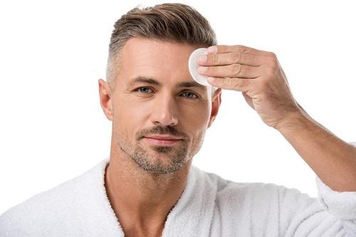 ניקוי פנים גברים