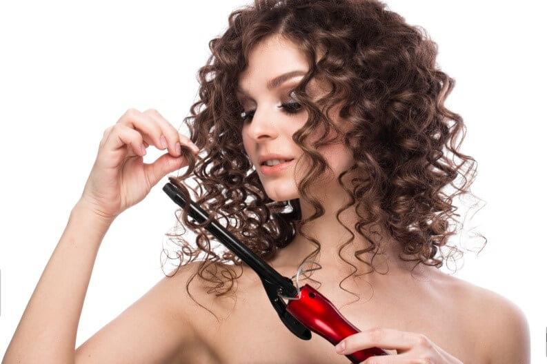 עיצוב שיער מתולתל עם בייביליס
