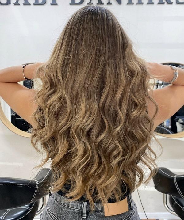 תספורת נשים שיער ארוך