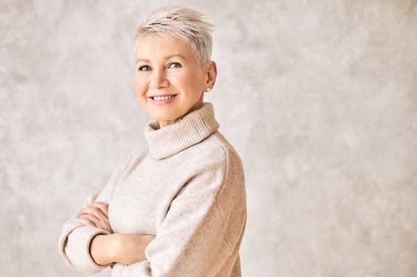 תספורת נשים גיל 60