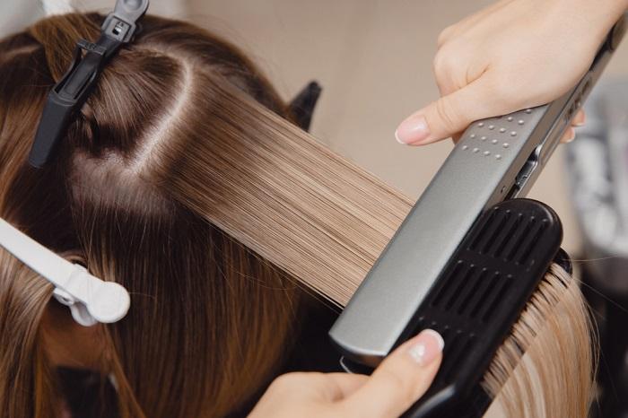 לימוד החלקות שיער